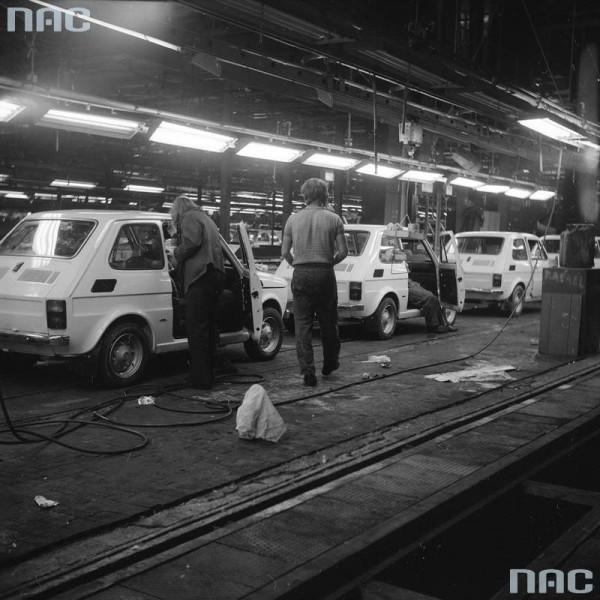 Hala produkcyjna Fiatów 126p (fot. nac.gov.pl)