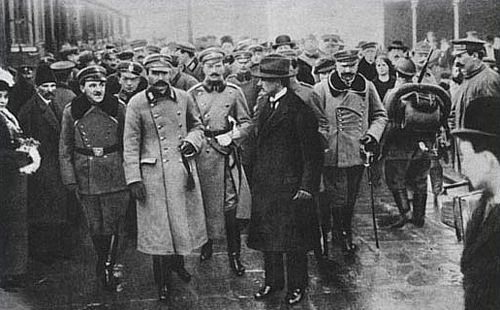 Piłsudski w Warszawie w 1916 roku (fot. wikipedia.org)