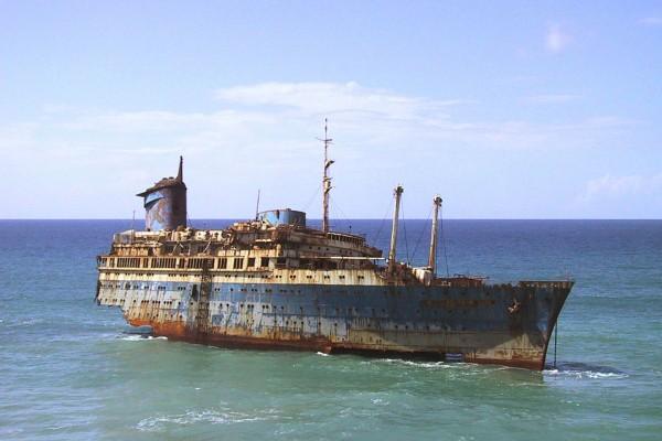 Wrak American Star Fuerteventura w 2003 roku (fot. wikipedia.org)