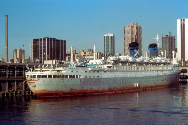 SS Australis w Nowym Jorku w 1978 roku