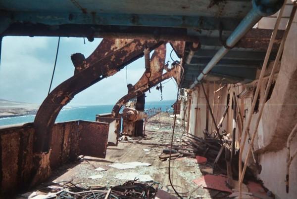 Zniszczony pokład American Star, zdjęcie z 2005 roku (fot. Ingo Turtenwald, Dirk Evers)