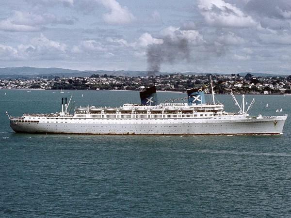 SS Australis wpływający do Aukland - Nowa Zelandia - 1973 rok.