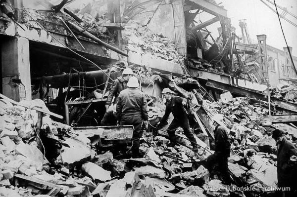 Wybuch dekstryny w Wielkopolskim Przedsiębiorstwie Przemysłu Ziemniaczanego w Luboniu w 1972 roku (fot. Echo Lubonia)