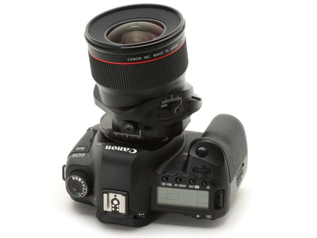 Przykład aparatu z obiektywem tilt-shift (fot. dpreview.com)