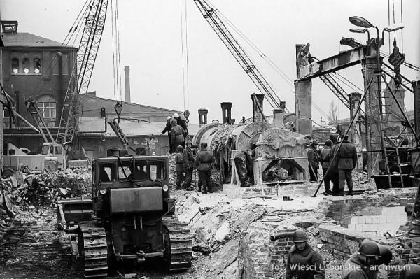 Wybuch dekstryny w Wielkopolskim Przedsiębiorstwie Przemysłu Ziemniaczanego w Luboniu w 1972 roku (fot. Wieści Lubońskie)