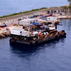 Barka w porcie (fot. Michał Banach)
