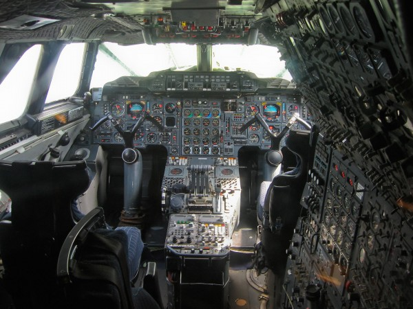 Wnętrze kokpitu Concorde