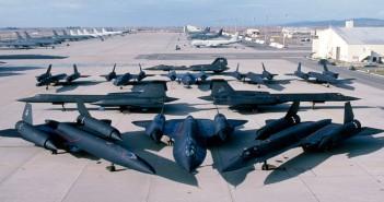 SR-71 Blackbird na lotnisku (fot. Lockheed Martin)