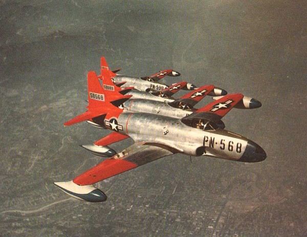Formacja samolotów myśliwskich Lockheed P-80 Shooting Star