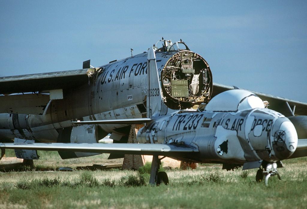 T-33 Shooting Star i B-47 Stratojet