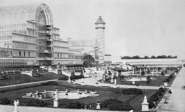 Kryształowy Pałac już po przeniesieniu do Sydenham (fot. Paul Furst)