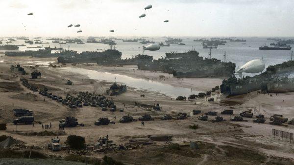 Plaża w Normandii kilka dni po desancie