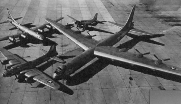 B-36 i jego mniejsi poprzednicy - B-23, B-17 i B-29
