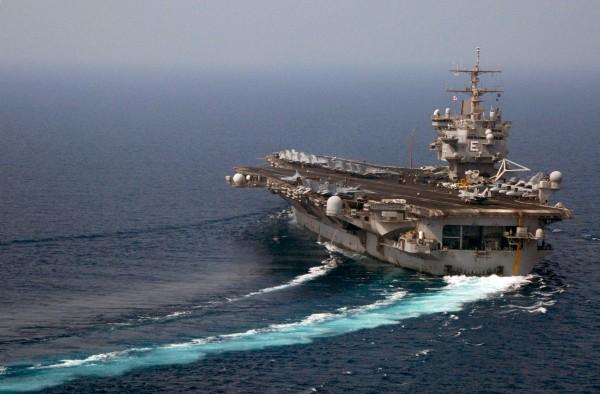 USS Enterprise w Zatoce Perskiej - 9 września 2007 roku
