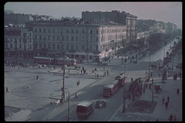 Warszawa po zakończeniu walk w 1939 roku (fot. Hugo Jaeger)