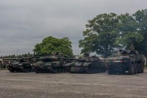 Od lewej - Leopard 2A4, Leopard 2A5, PT-91 Twardy i KTO Rosomak (fot. chor. Rafał Mniedło)