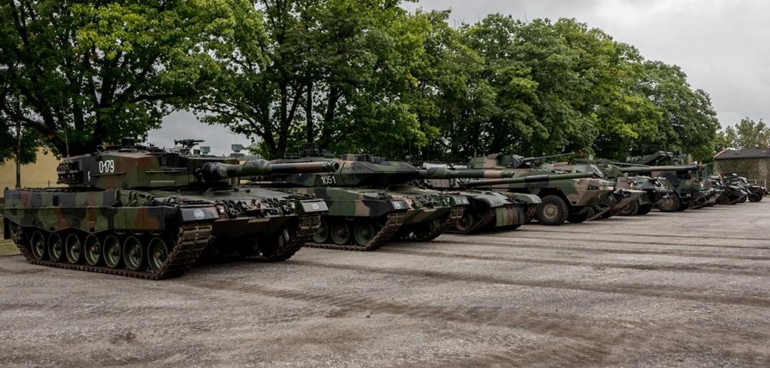 Przegląd parku maszynowego (fot. chor. Rafał Mniedło)