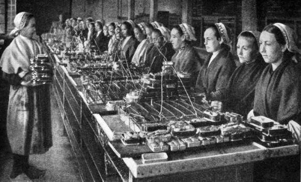 Konserwy produkowano kiedyś ręcznie