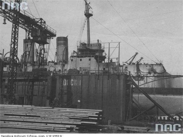 ORP Bałtyk w suchym doku (fot. NAC)