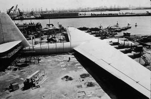 H-4 w 1947 roku (fot. Hulton Archive)