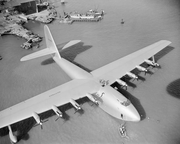 H-4 przed startem - 2 listopada 1947 roku, San Pedro, Los Angeles, Kalifornia