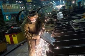 Około 25 000 osób pracuje w tutejszej stoczni (fot. Gelio)