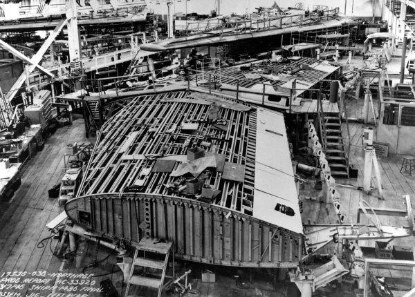 XB-35 podczas budowy w zakładach Northropa