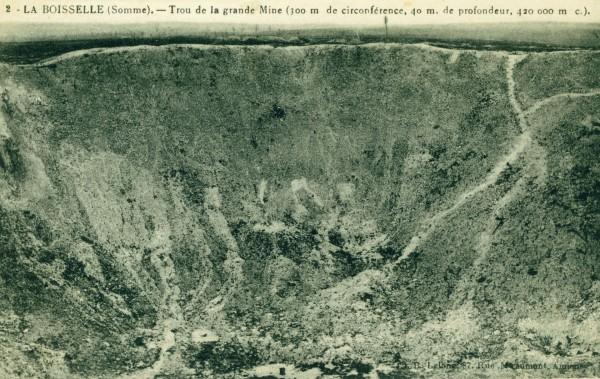 Krater Lochnagar sfotografowany po wojnie (fot. historyoffighting.com)