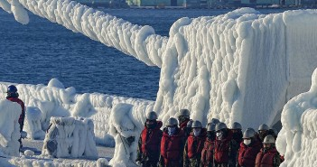 Okręty wojenne skute lodem