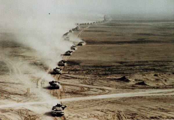 Kolumna amerykańskich czołgów M1A1 Abrams
