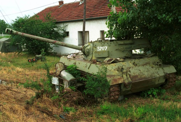 Wrak M18 prawdopodobnie w Macedonii w 1999 roku (fot. sgt Dave Miles)
