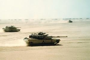 Amerykańskie M1A1 Abrams w natarciu