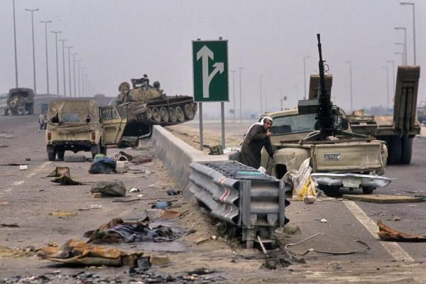 Porzucony iracki sprzęt w Kuwejcie