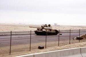 Porzucony iracki czołg T-55