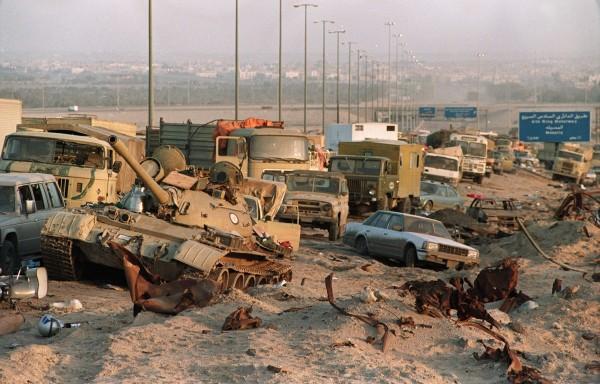Autostrada Śmierci - zdjęcie z 1 marca 1991 roku (fot. Pascal Guyot)