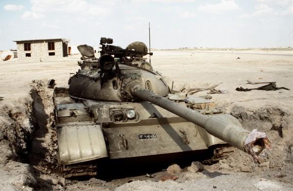 Zniszczone irackie T-55
