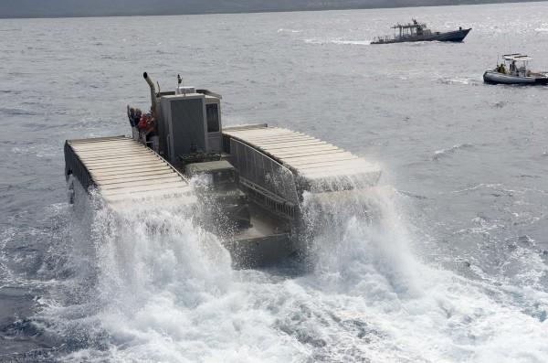 UHAC w trakcie prób (fot. Amanda R. Gray/US Navy)