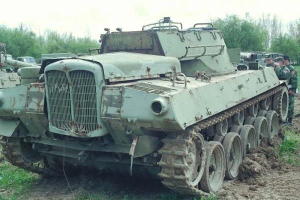Potrzeba matką wynalazku - jugosłowiański M18 z silnikiem traktora