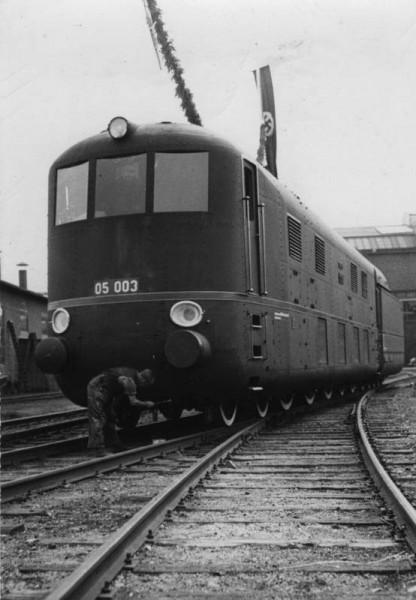 DRG Class 05 003 z kabiną z przodu