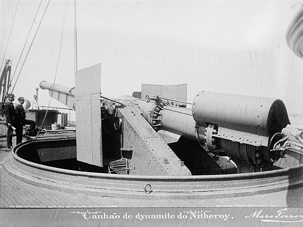 Działo dynamitowe zamontowane na brazylijskim statku Nitheroy
