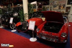 MG MGB Roadster (1962) i z tyłu Morgan (1952)