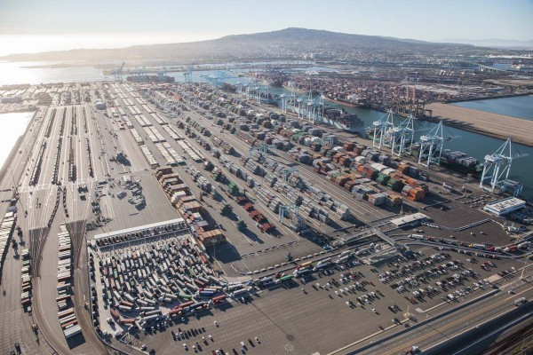 Port of Los Angeles (fot. Mike Kelley)