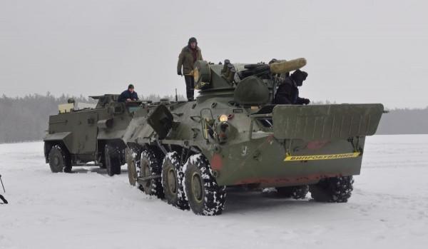 Saxon i BTR-3E1 podczas prób na Ukrainie (fot. Ukroboronprom)