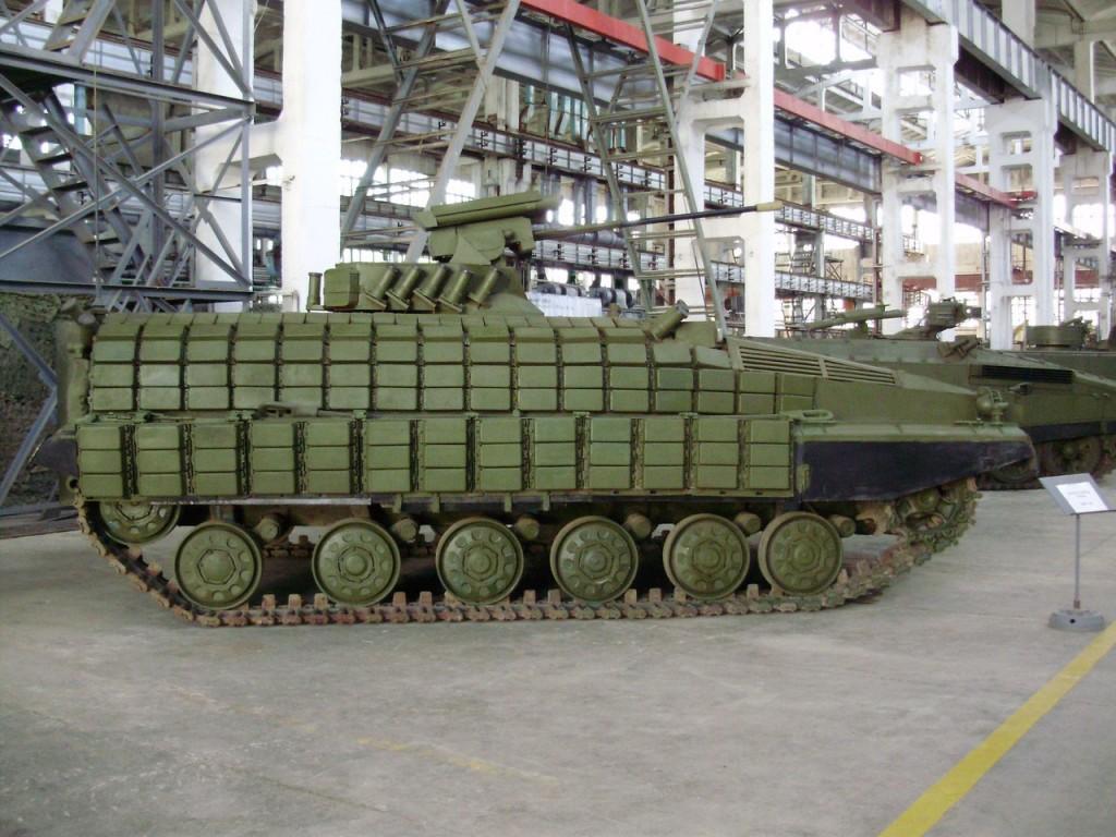 Jeden z pierwszych prototypów BMP-64 z 2012 roku