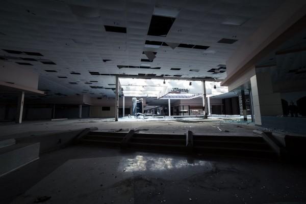 Rolling Acres Mall (fot. Johnny Joe)