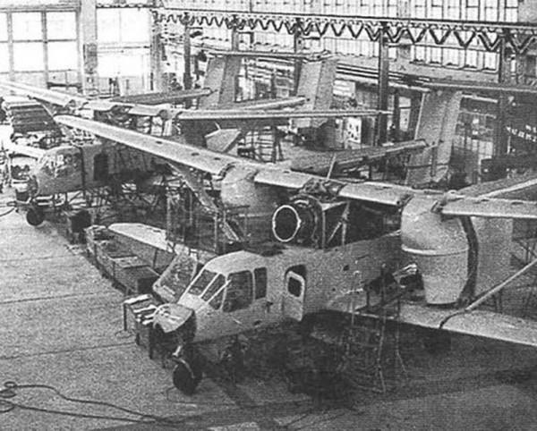 PZL M-15 Belphegor podczas budowy