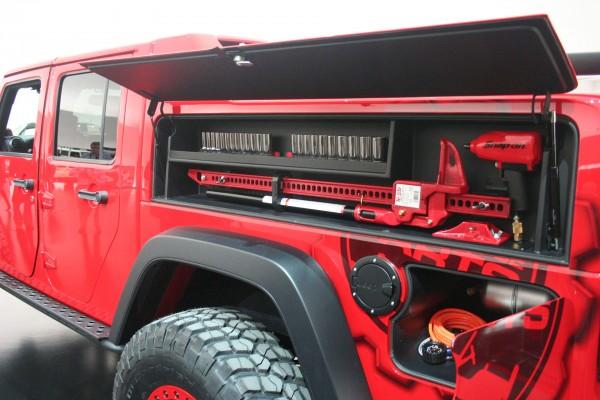 Jeep Wrangler Red Rock Responder (fot. Jeep)