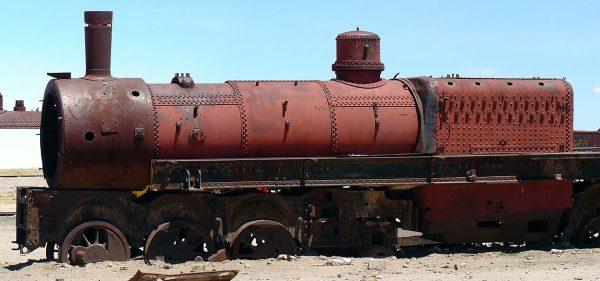 Cmentarzysko pociągów w Uyuni (fot. Martin St-Amant/Wikimedia Commons)