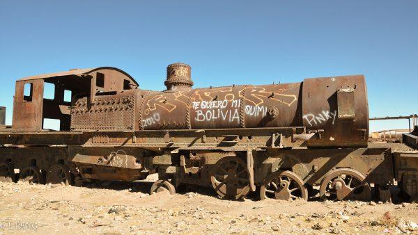 Cmentarzysko pociągów w Uyuni (fot. Louen/Wikimedia Commons)