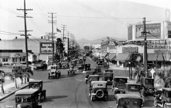 Skrzyżowanie Wilshire Blvd. i Western Ave w 1924 roku (fot. USC Digital Library)
